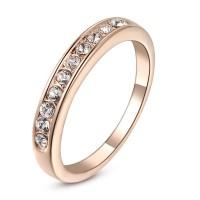 Красивое кольцо с кристаллами Swarovski покрытое золотом 18 карат