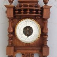Антикварный ореховый барометр