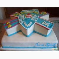 Праздничный торт для выпускников академии МВД
