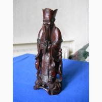 Китайская старинная деревянная статуэтка из красного дерева