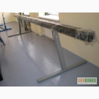 Бревно гимнастическое, гимнастическое оборудование и снаряжение для школ, учебных заведени