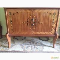 Продам винтажную мебель с элементами резьбы и росписи. Изготовлена в Бухаресте