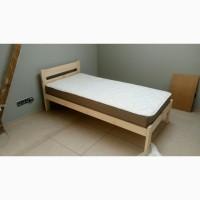 Кровать економ-класа из массива дерева
