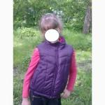 Демисезонная безрукавка -жилетка на девочку 8-9 лет