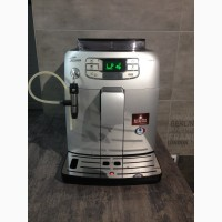 Saeco Intelia HD8752 с автоматическим капучинатором ( приготовление капучино)
