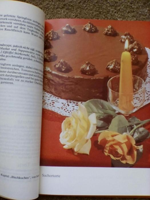 Фото 3. Книга рецептов выпечки (на немецком языке)