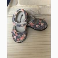 Продам б/у туфельки на девочку
