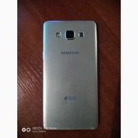Продам б/у телефон samsung galaxy A5