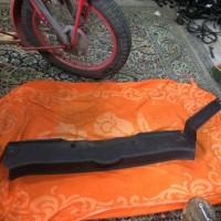 Обшивка, пластик задней стенки багажника на Renault Laguna 2, Рено Лагуна 2, лифтбэк