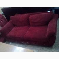 Диван б/у со съёмными подушками красный велюр 1, 7м