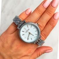 Потрясающие женские наручные часы Guess