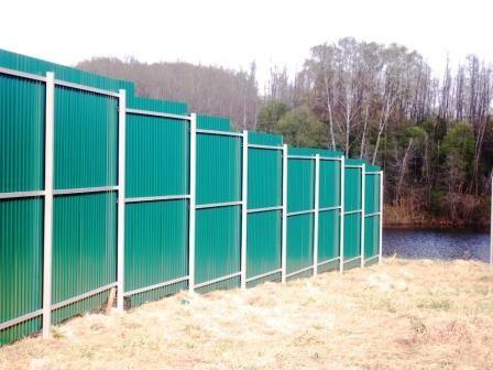 Забор из профнастила на участке с уклоном своими руками 763