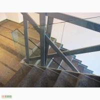 Изготовление и установка стеклянных перил для лестниц