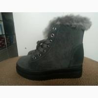 Ботинки-сникерсы зимние женские