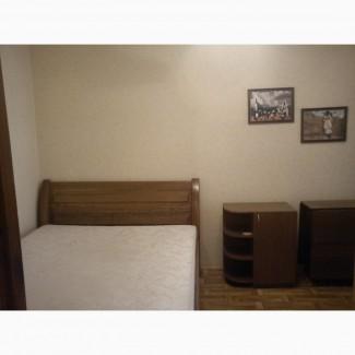 Сдам комнату 16 кв.м. Для парня по ул. Ахматовй (пешком метро Позняки)