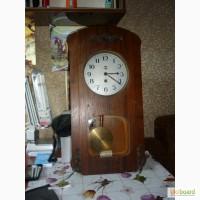 Часы старинные, настенные, механические, деревянные, с маятником