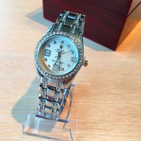 Наручные продам женские часы часы янгеля работы на ломбард