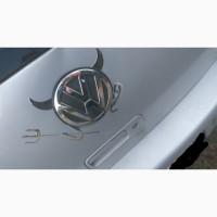 Наклейка на авто Выпуклая наклейка Чёртик Серебро на эмблему авто