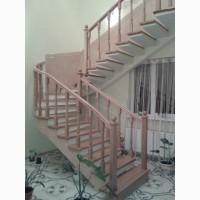 Сходи бетонні на боковому або центральному косоурах (безпідпорні)