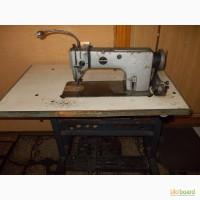 Продам срочно швейную машинку 1022