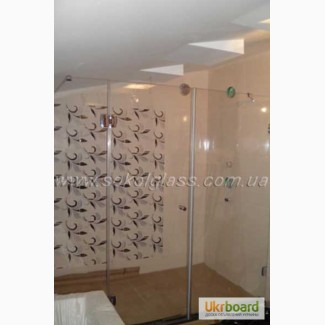 Стеклянные перегородки в ванной комнате