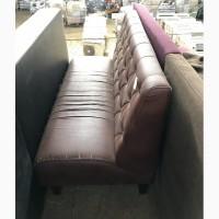Продам б/у диван с пуговицами, для кафе, баров, ресторанов