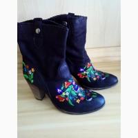 Шикарные черные деми ботинки с вышивкой, 41р италия
