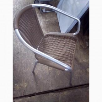 Продам стул б/у из искуственного ротанга с металлическим каркасом для кафе, бара