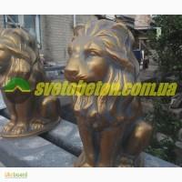 Лев из бетона сидящая фигура у входа, бетонная скульптура для столбов ворот и забора