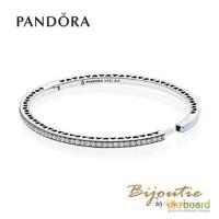 Pandora браслет жесткий голубые сияющие сердца 590537EN23