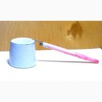 Чернильница (не вылевайка) керамика с перьевой ручкой пластмассовой