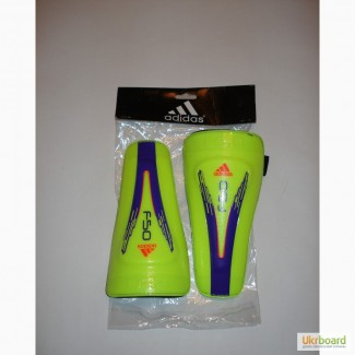 Детские футбольные щитки . Модель Adidas FSO.