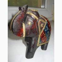 Слон из дерева ручной работы