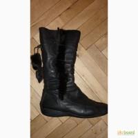 Женские зимние кожаные сапоги фирмы Clarks р.40