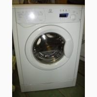 Продам стиральную машину Indesit WISE 8 по запчастям