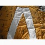 Белые джинсы 27 р. новые