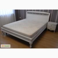 Кровать цвет белый