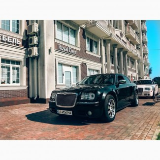 Аренда автомобиля на Свадьбу, заказать автомобиль Крайслер 300с на Свадьбу в Киеве