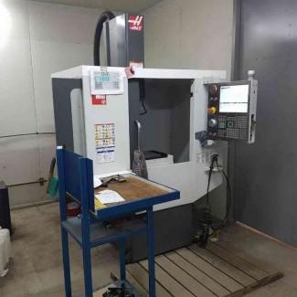 Продам малогабаритный вертикально-фрезерный центр с ЧПУ Haas Super Mini Mill