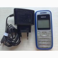 Мобильный телефон Nokia 1200 RH-99 с зарядкой Nokia AC-3E