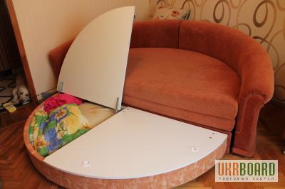 продам круглый раскладной диван10 декор подушек2 кресла киев