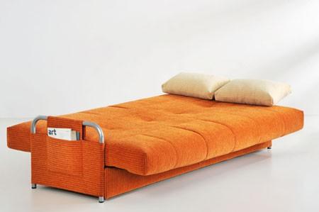 ...диван превращается благодаря безотказному и надежному