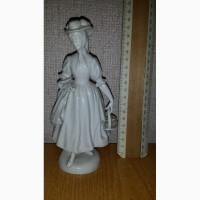 Продам Фарфоровую статуэтку Цветочница