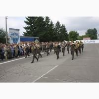 Музикант оркестру.Труба, тромбон, туба(бас гітара) (військовий оркестр)