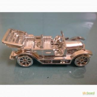Модель ретро-автомобиля