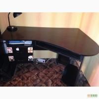 Продам б\у компьютерный стол