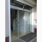 Входные стеклянные двери безрамные