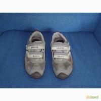 Детские кроссовки фирмы GEOX