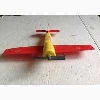 Электро механическая игрушка управляемый спортивный самолёт. 1980г. СССР
