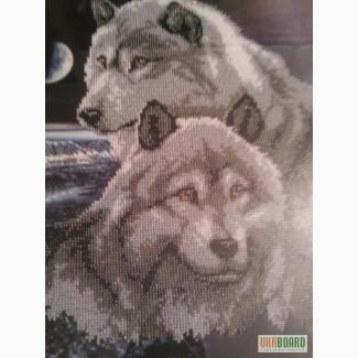 Продам шикарную картину вышитую бисером Волки.